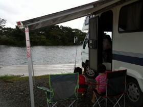 道の駅水の郷さわら近くの利根川の河原 (2)